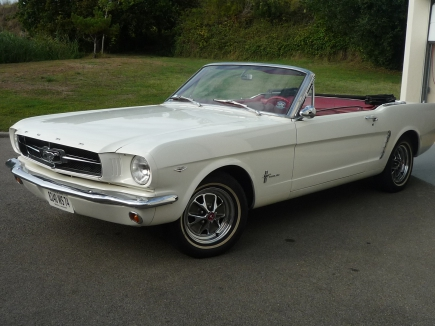 Photo Ford mustang 65 cabriolet